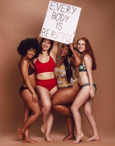 Volle vrouwen zijn trots op hun vormen